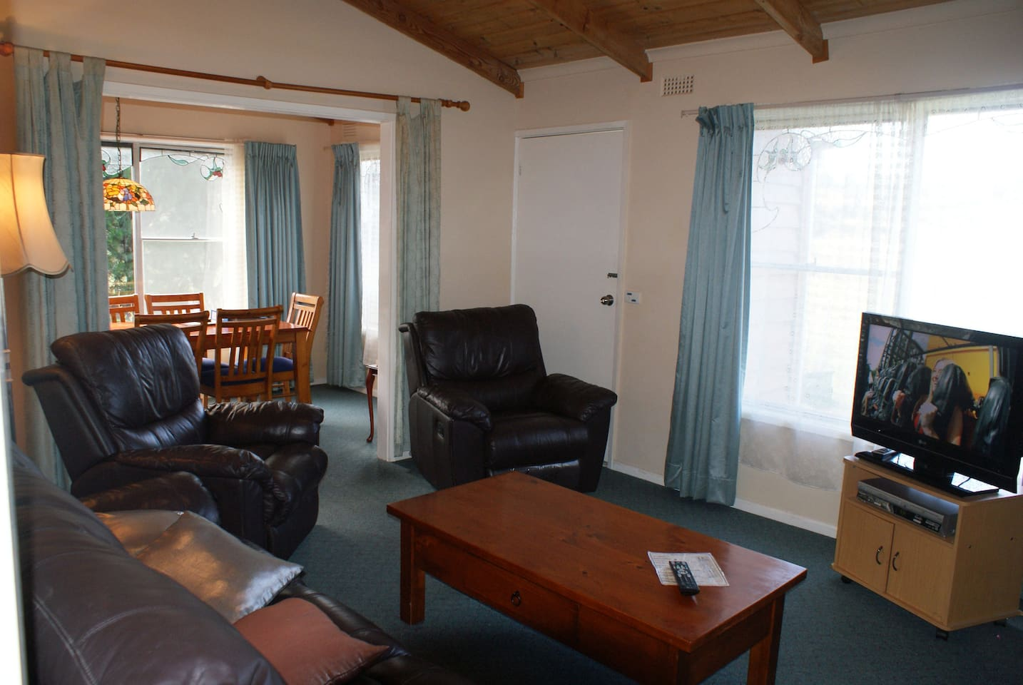 Aaa Granary Accommodation The Last Resort Aaa Granary Gumnut 2 Bedroom Houses For Rent In Promised