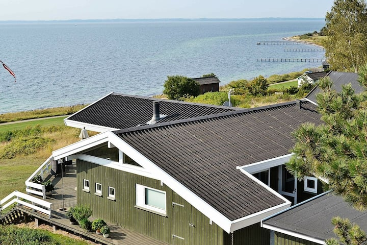 Gorgeous Seaside Holiday Home in Faaborg