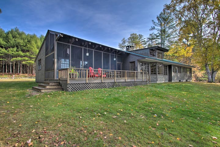 NEW! Peaceful Lakefront Escape w/ Deck + Kayaks!