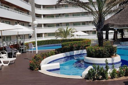 2 suites no Blue Marlin Resort  em Cotovelo beach.