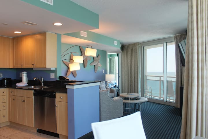 Gorgeous Oceanfront Condo with Great Amenities!
