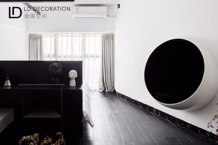 【淩度空间·黑&白 】得奖作品 现代极简黑白公寓 35平 祖庙商圈 邻近广佛地铁 适合约会 出差