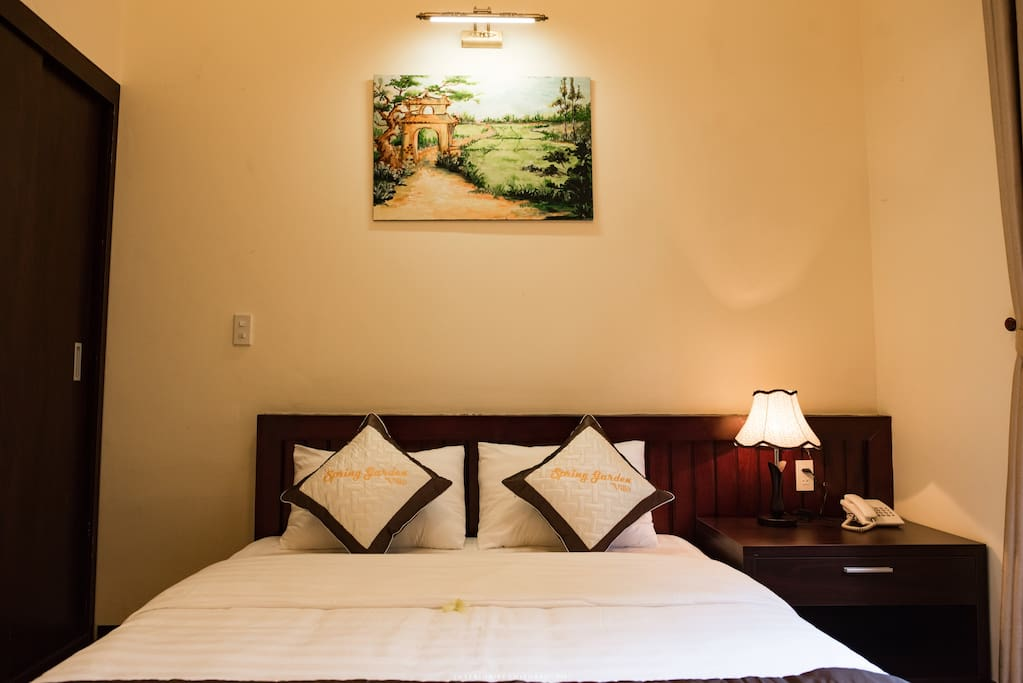 Simple and cozy, Apricot blossom is double rooms garden view with a smooth and poetical space. Guests will feel very comfortable to enjoy the peace after a day visiting Hue