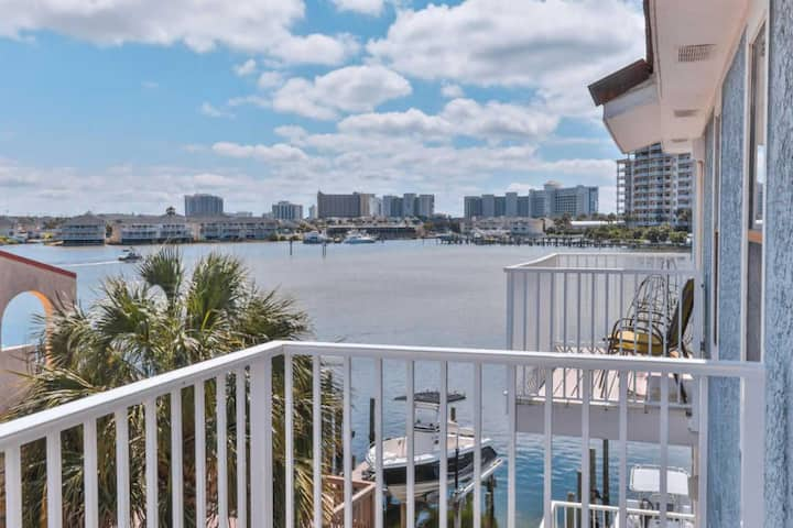 ★ Gated Beach Access ★ Harbor view ★  Parking ★