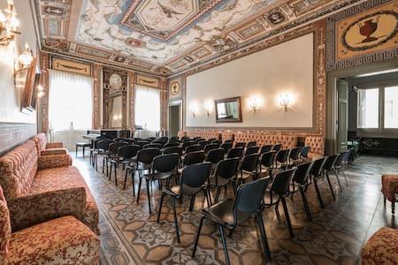 Palazzo Pesce - Historical House - Mola di Bari - Apartment
