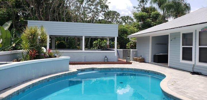 POOL HOME CLOSE TO GOLF AND BEACH