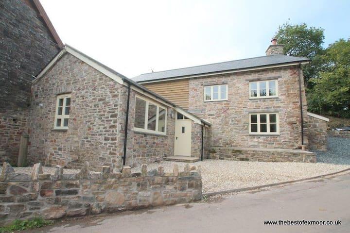 The Mill House, Bampton - Bampton - House