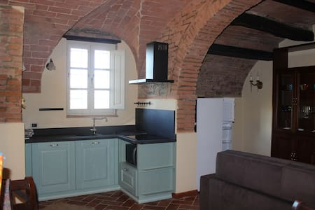 Apartment in medieval village - Palaia