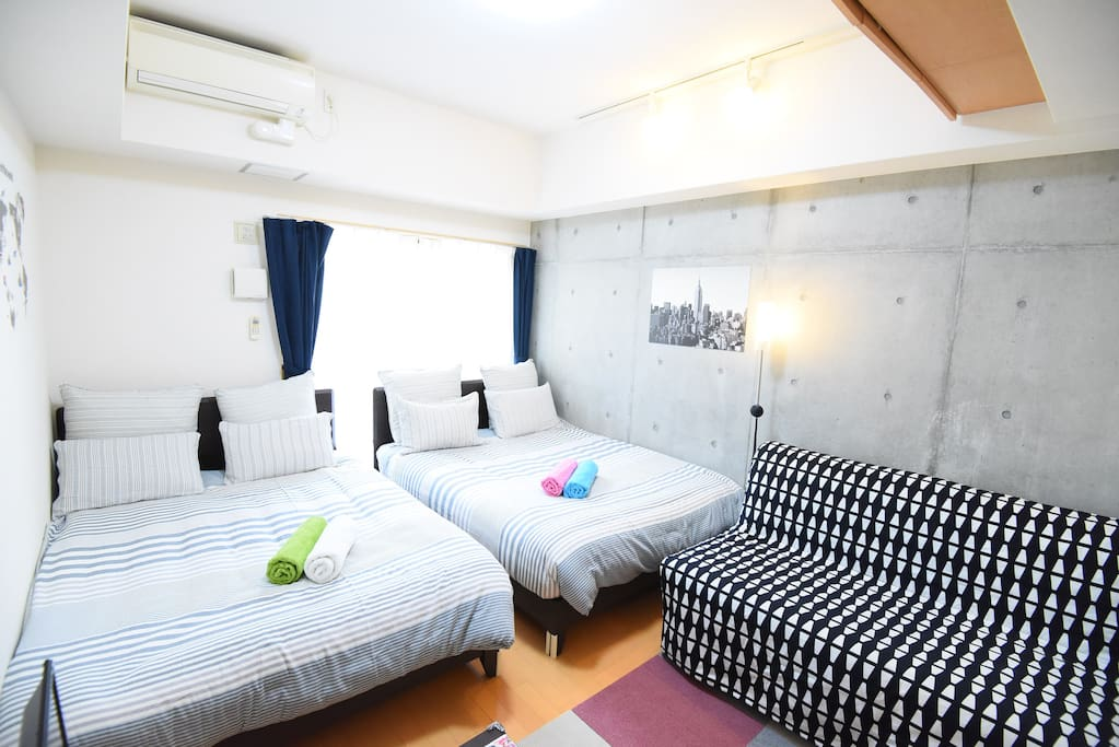 Bedroom(two double bed,one double sofa bed,6people)室内写真
