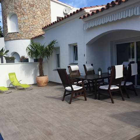 Casa Kneis - Empuriabrava - Villa
