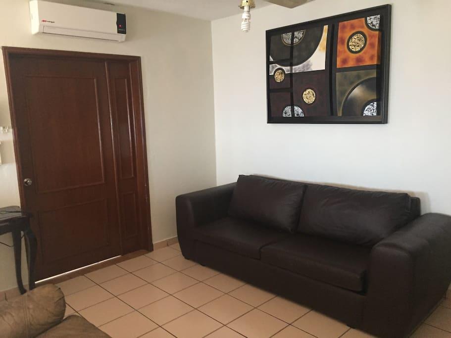 Sofa cama disponible