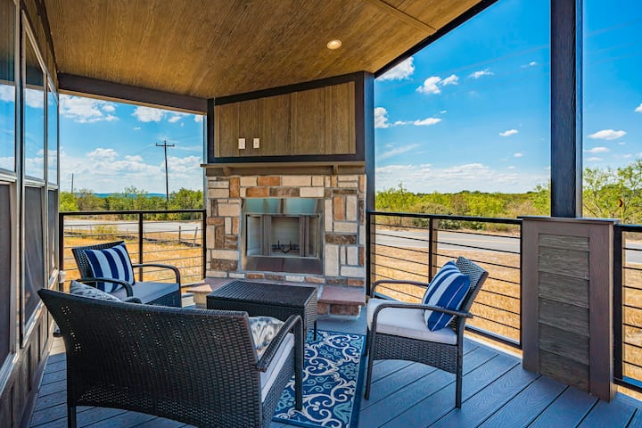 Luxury Tiny Home (The Winchester)