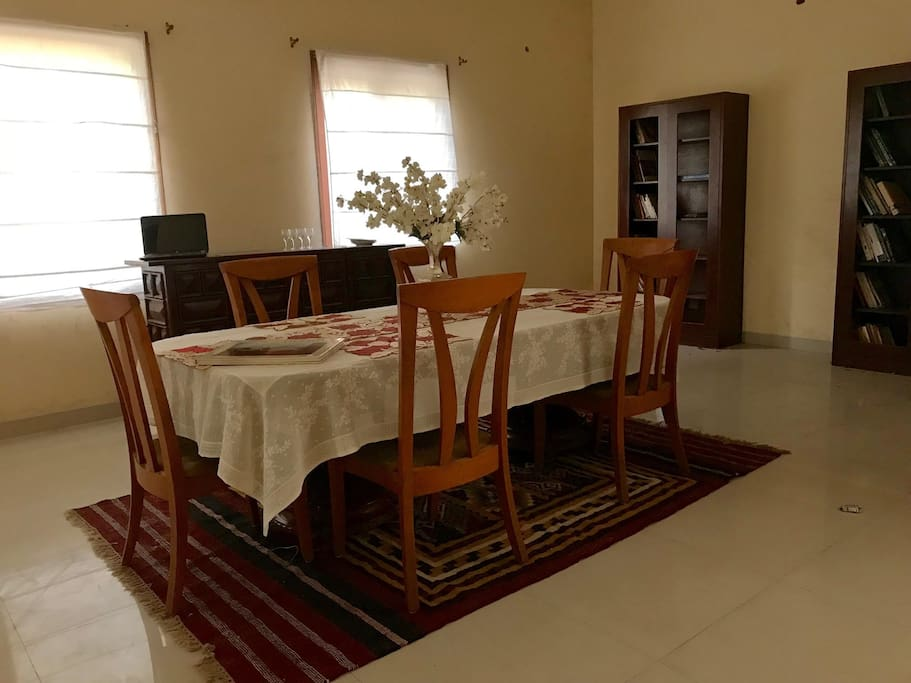 Dinning area with library