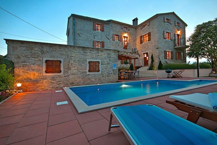 Villa Angela e Giovanni - Žudetići - Huis