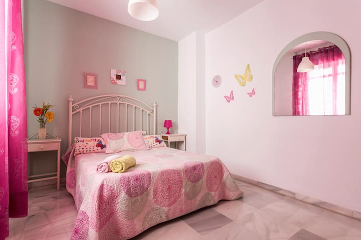 Triana Matrimonio Comoda calle Céntrica WIFI FREE - Seville - Daire