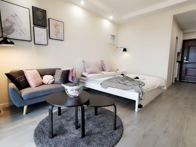 【又见民宿】靠近火车站北广场/万达广场/西津渡/金山  可单独享用一整套温馨舒适的公寓