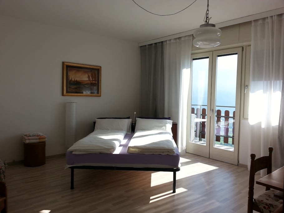 ampia camera tripla con possibilità di letto aggiunto