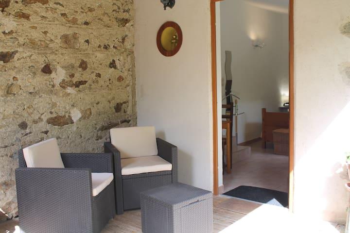 """Chambre """"La parenthèse"""" salon et terrasse privés"""