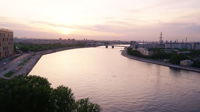 Блестящая квартира с видом на Неву - Sankt-Peterburg - Apartment