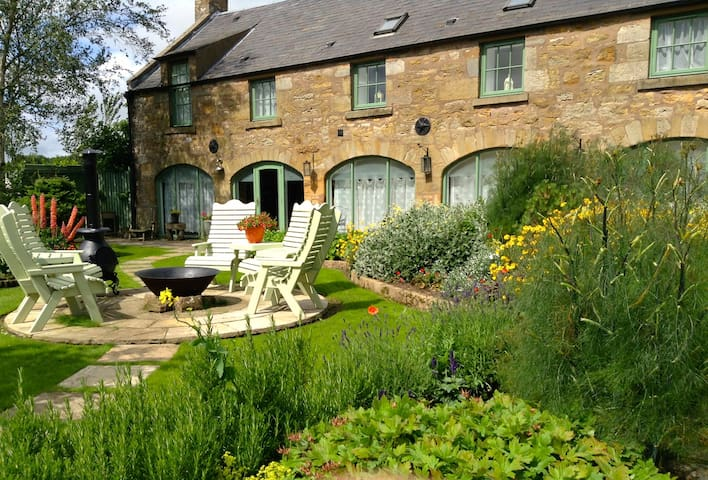 Stunning barn conversion with king bed & en-suite - Fife