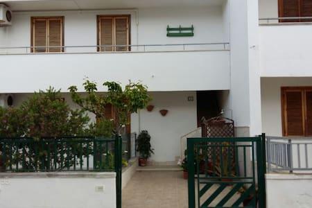 Salento Appartamento a Roca - Roca - ทาวน์เฮาส์