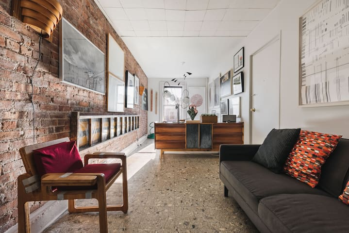 $60 night for this Stylish Arty Apt in Brooklyn