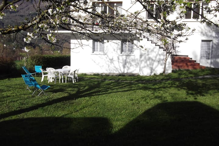 appart en rdc d'une maison - Luz-Saint-Sauveur - Huoneisto