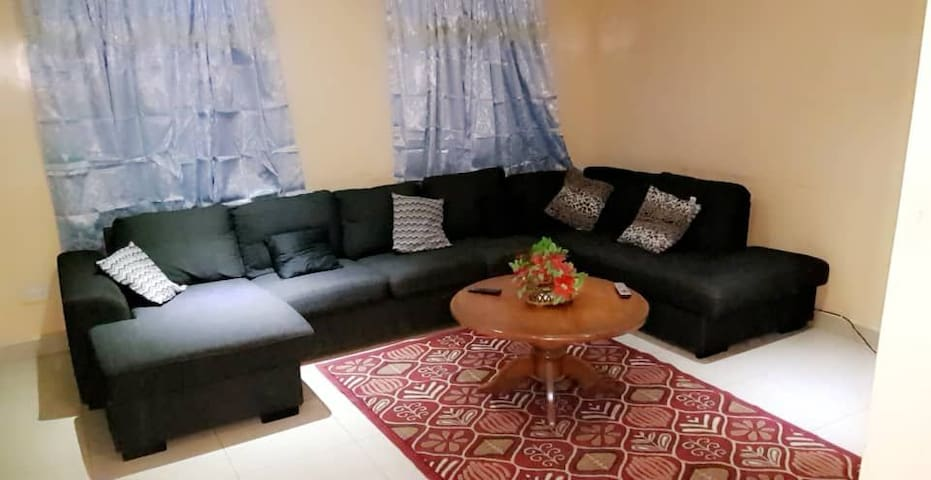SILVERDUST APARTMENTS 30 mtrs from Sukuta Highway