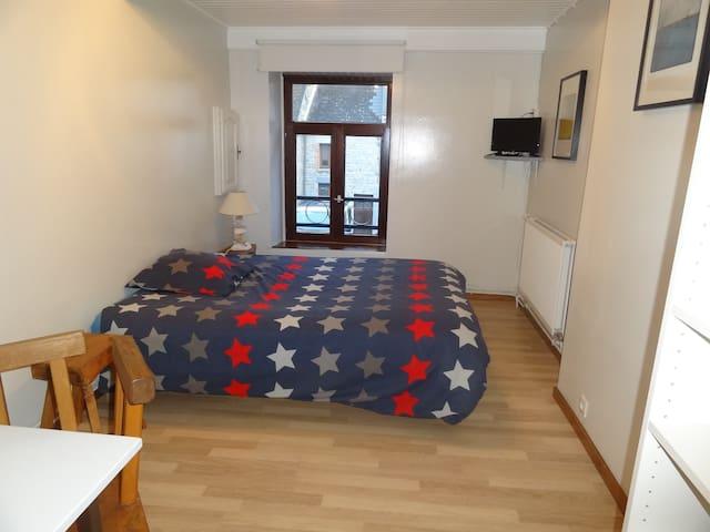 Chambre dans maison individuelle - Chooz - Rumah