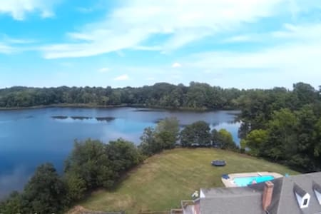 Lakeside 2-Bedroom Suite - Warrenton