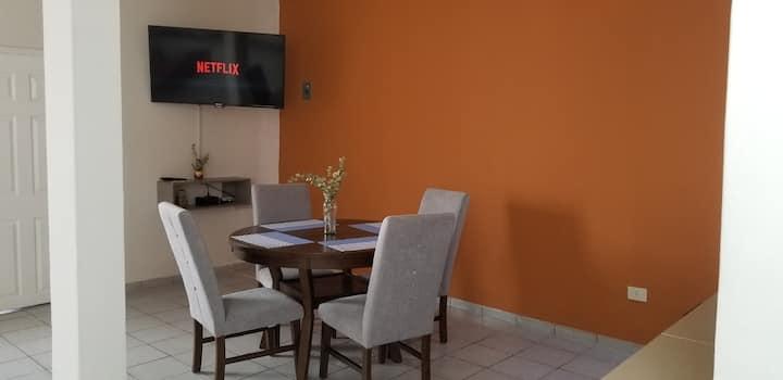 Casa cómoda de un piso a 8 minutos del centro