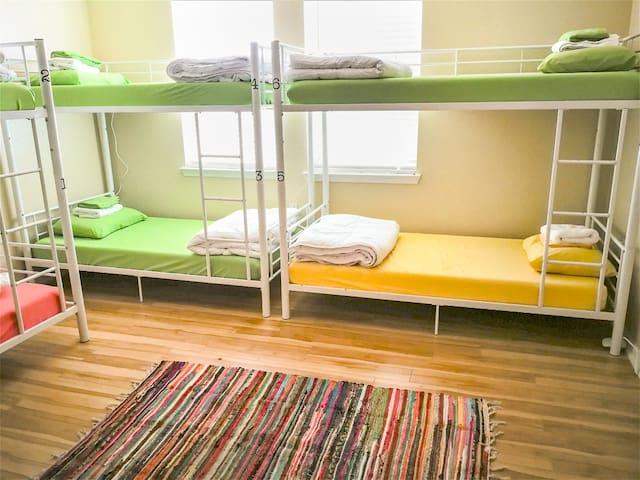Sua Casinha!! 6 bed female dorm (B)