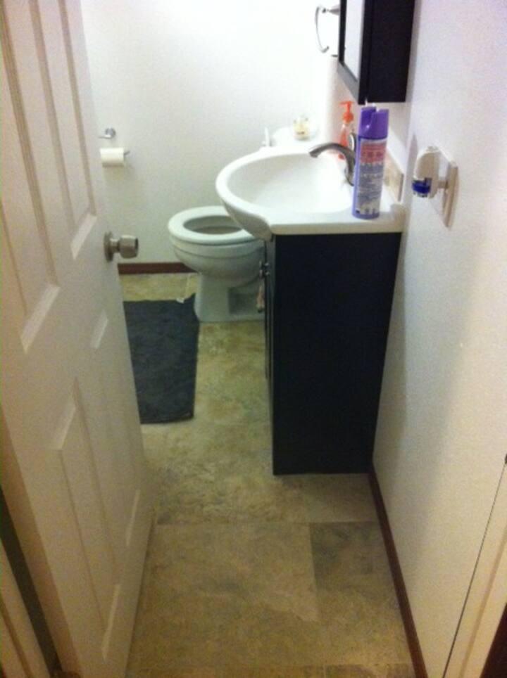 Lynnwood clean /quiet bedroom