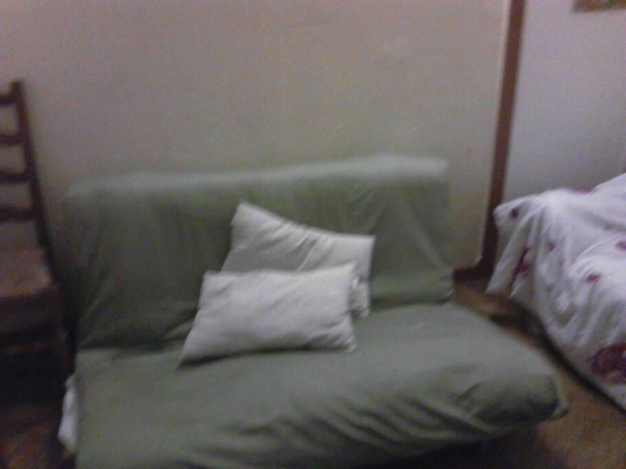 2e chambre avec canapé lit