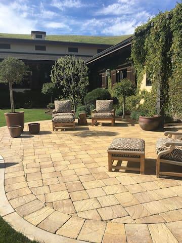 Falling Oak: A Unique Equine Estate - Salinas - Other