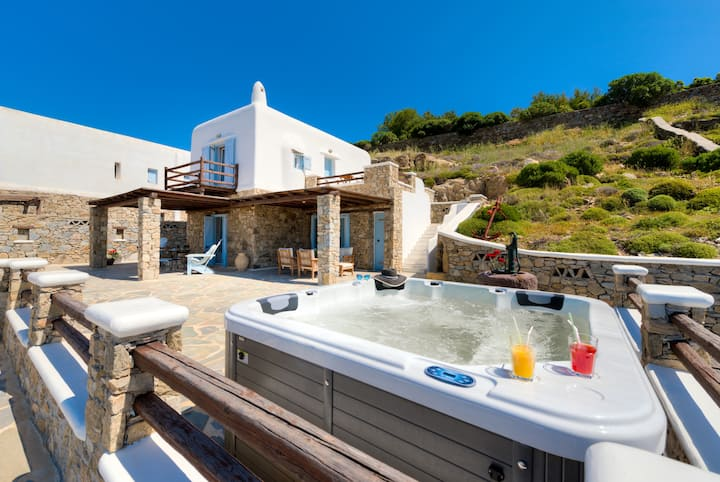 Sundance Villa with Outdoor Private Jacuzzi
