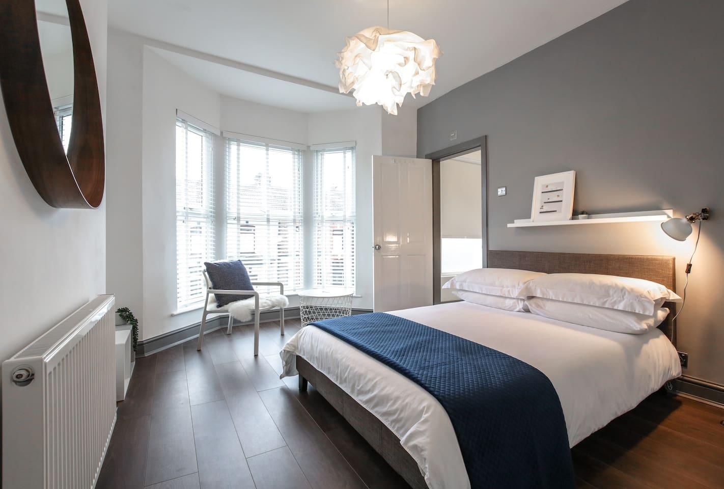 Bedroom 3: Front facing Double en-suite.