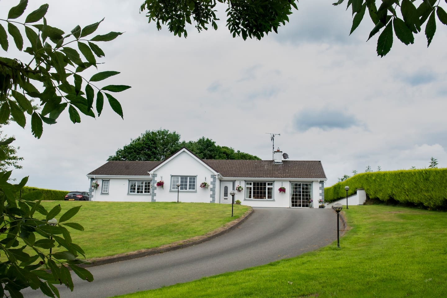 Set in beautiful countryside 4.5 miles from Omagh, a warm welcome awaits you. The scenic Sperrins roll to the North and enjoy breakfast looking towards the Pigeon Top.  Beautiful walks await you in the nearby 'Hills Above Drumquin'