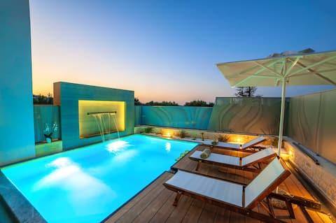 Perla Nera Villa Heated Pool