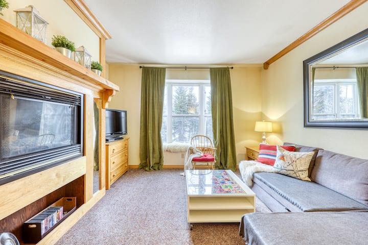 Comfy Ski Lodge Condo w/ Shared Pool, Hot Tub, WiFi, and Gas Fireplace!