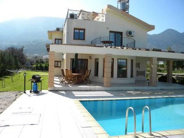 North Cyprus Villa - Lapta - Villa
