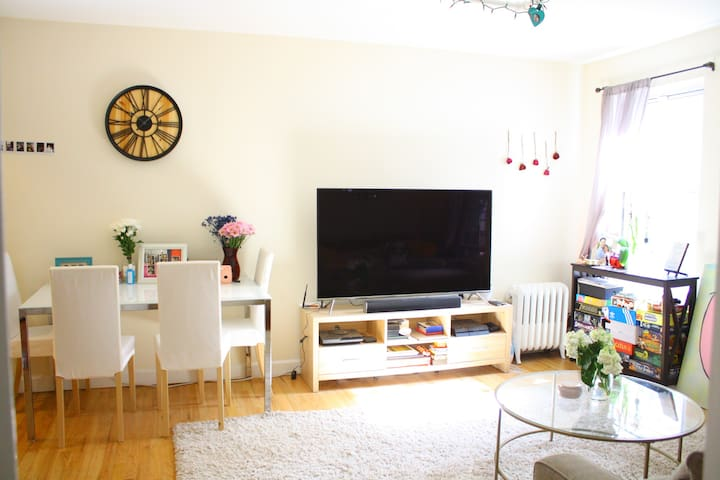 Spacious 1BR apartment, perfect for sightseeing! - New York - Apartemen