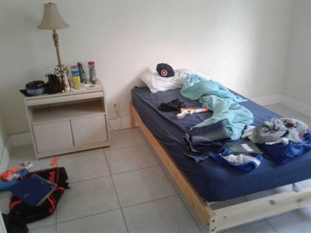 Cozy room - Pompano Beach - House
