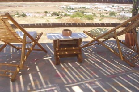 Precioso Estudio Rural: LUNA MORA - Albaricoques