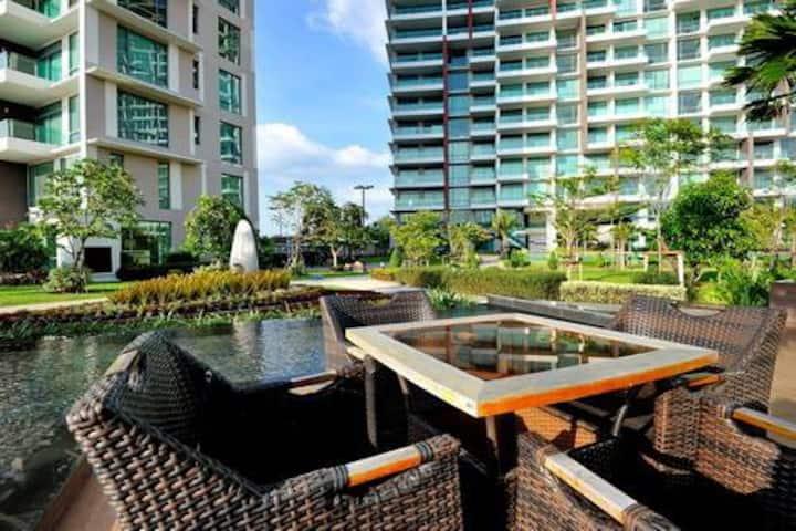 Luxury Seaside Pool Villa Duplex