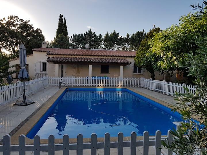 Villa avec piscine privée à Vitrolles classé ***