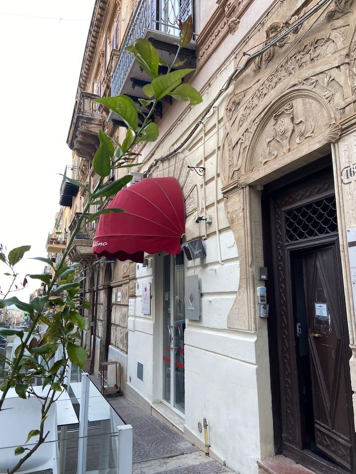 Appartamento del Corso in pieno centro storico.