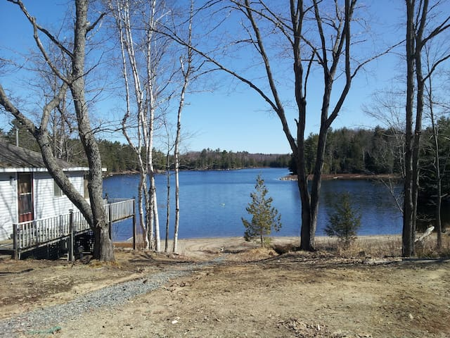Cottage for rent on quiet lake