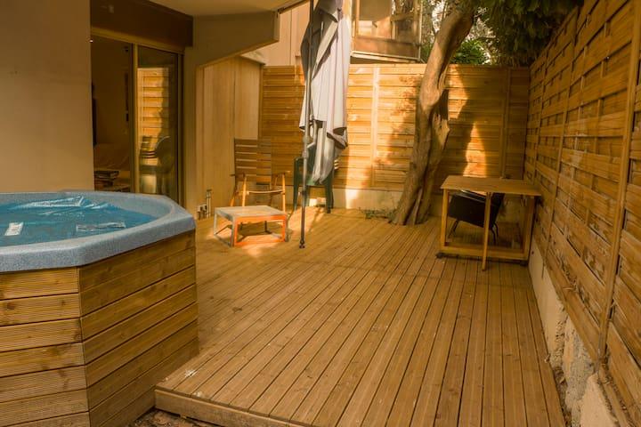 Appartement lumineux avec jardin privatif, jacuzzi - Le Cannet