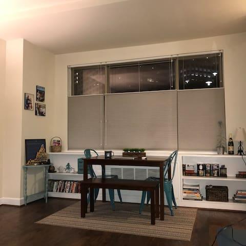 Rosslyn One Bedroom w/Metro Access